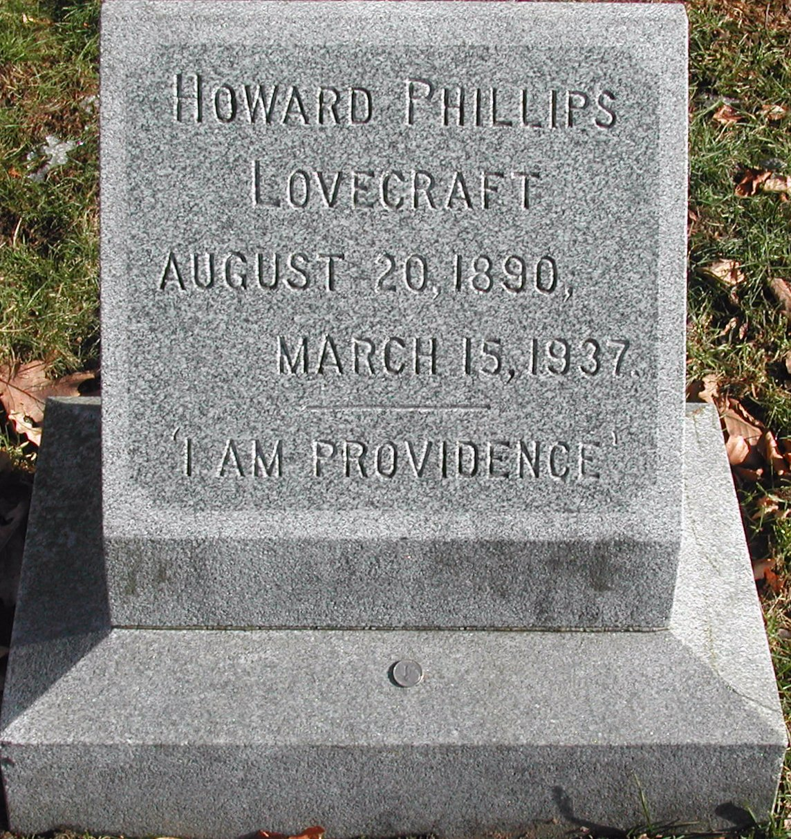 Lovecraft_tombstone